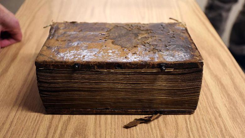 ct ancient manuscript 20161114