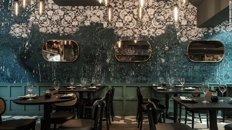 161221152431 new restaurants 2017 12000 francs interior exlarge 169