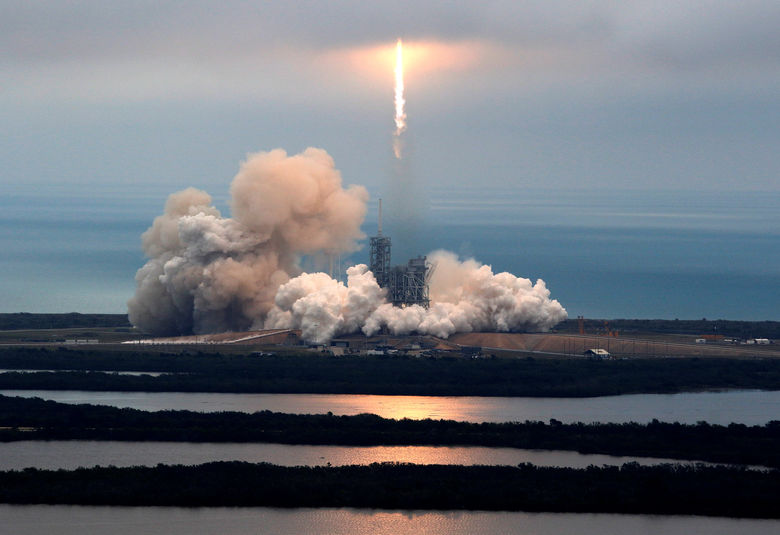 2017-02-19T153907Z 838967058 RC1EF4CE7A30 RTRMADP 3 SPACE-SPACEX-LAUNCH