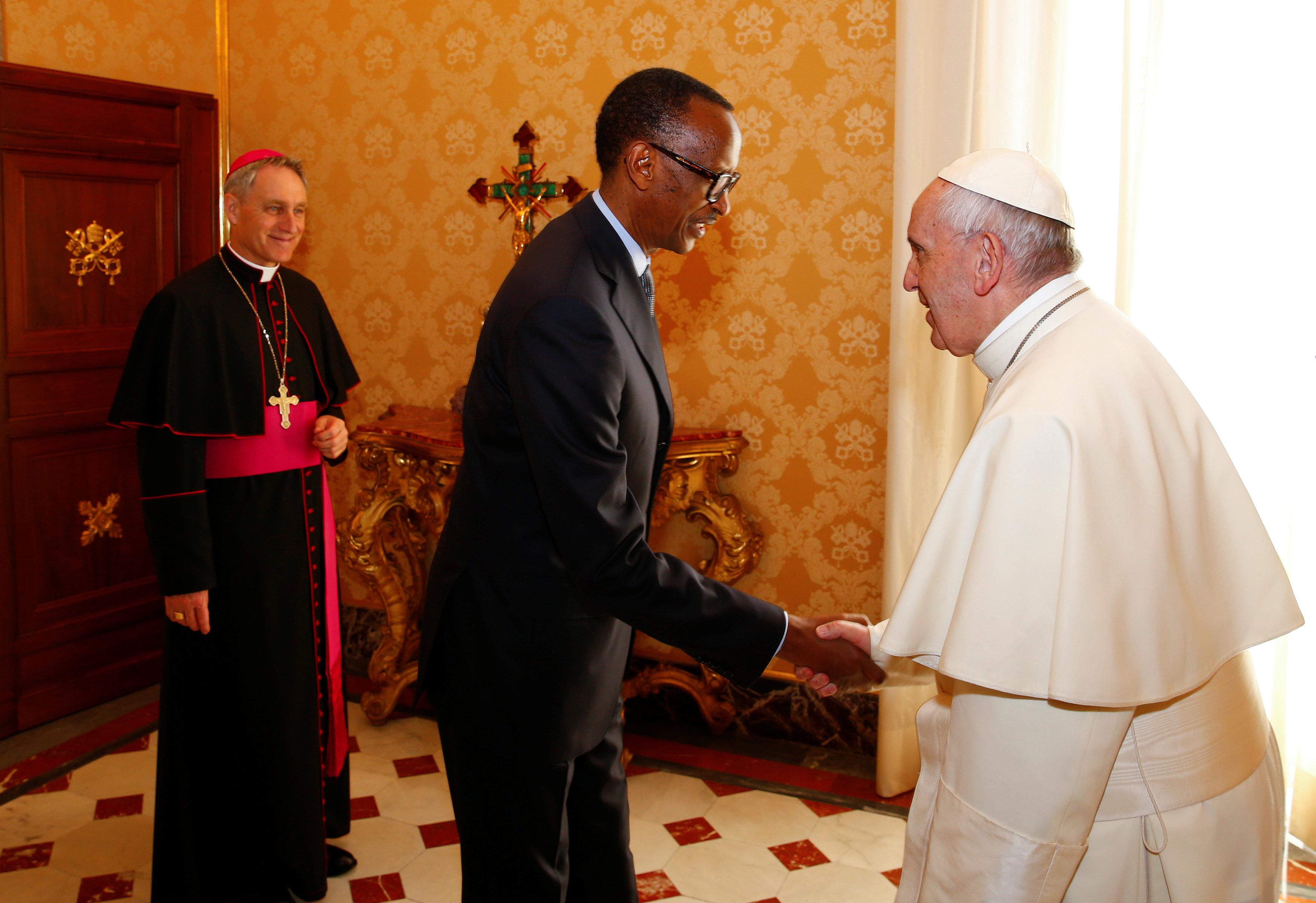 2017 03 20T110335Z 356924261 RC184F14AFF0 RTRMADP 3 POPE VATICAN RWANDA