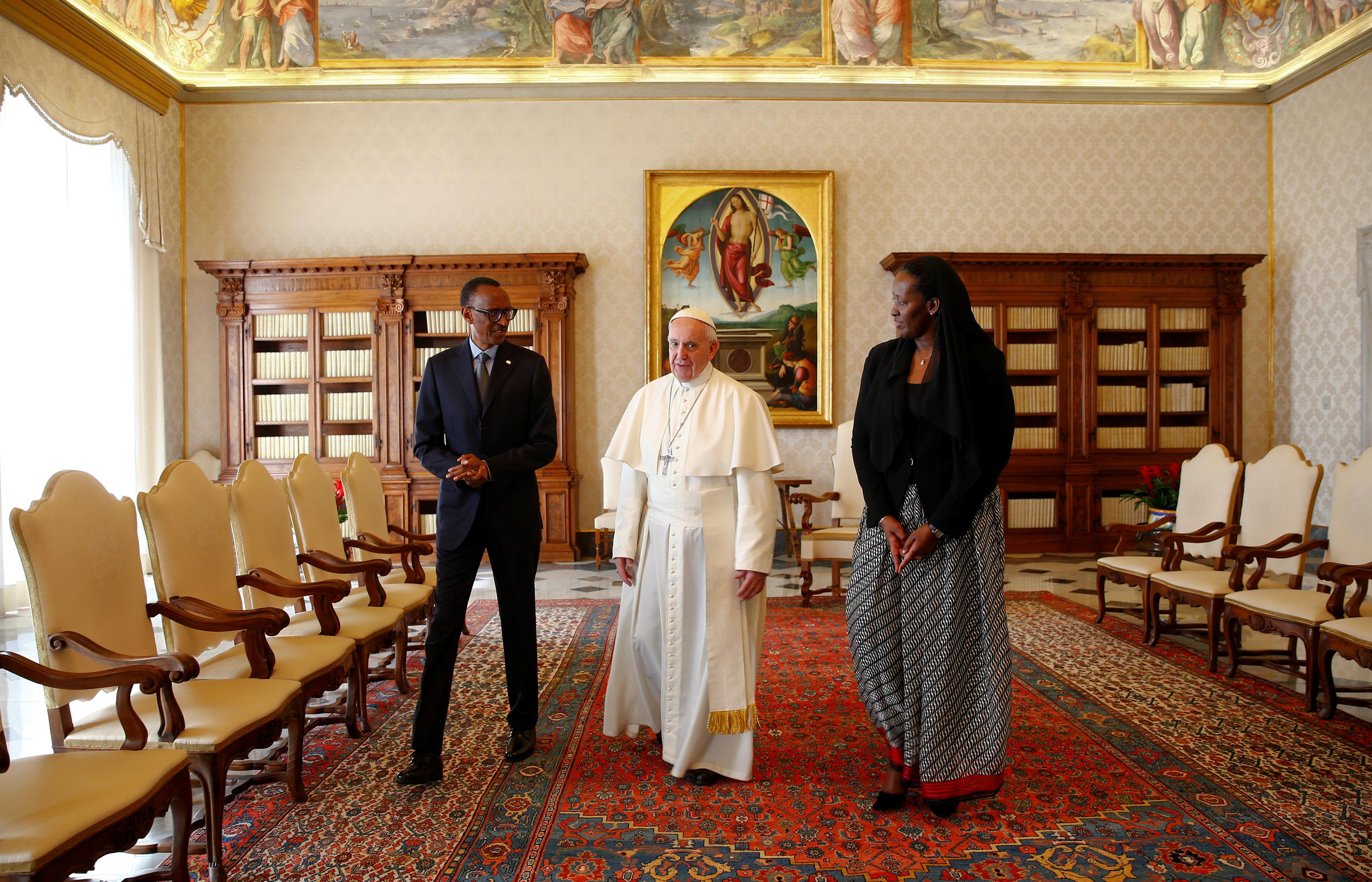 2017 03 20T110407Z 834412129 RC1D60CE0E00 RTRMADP 3 POPE VATICAN RWANDA