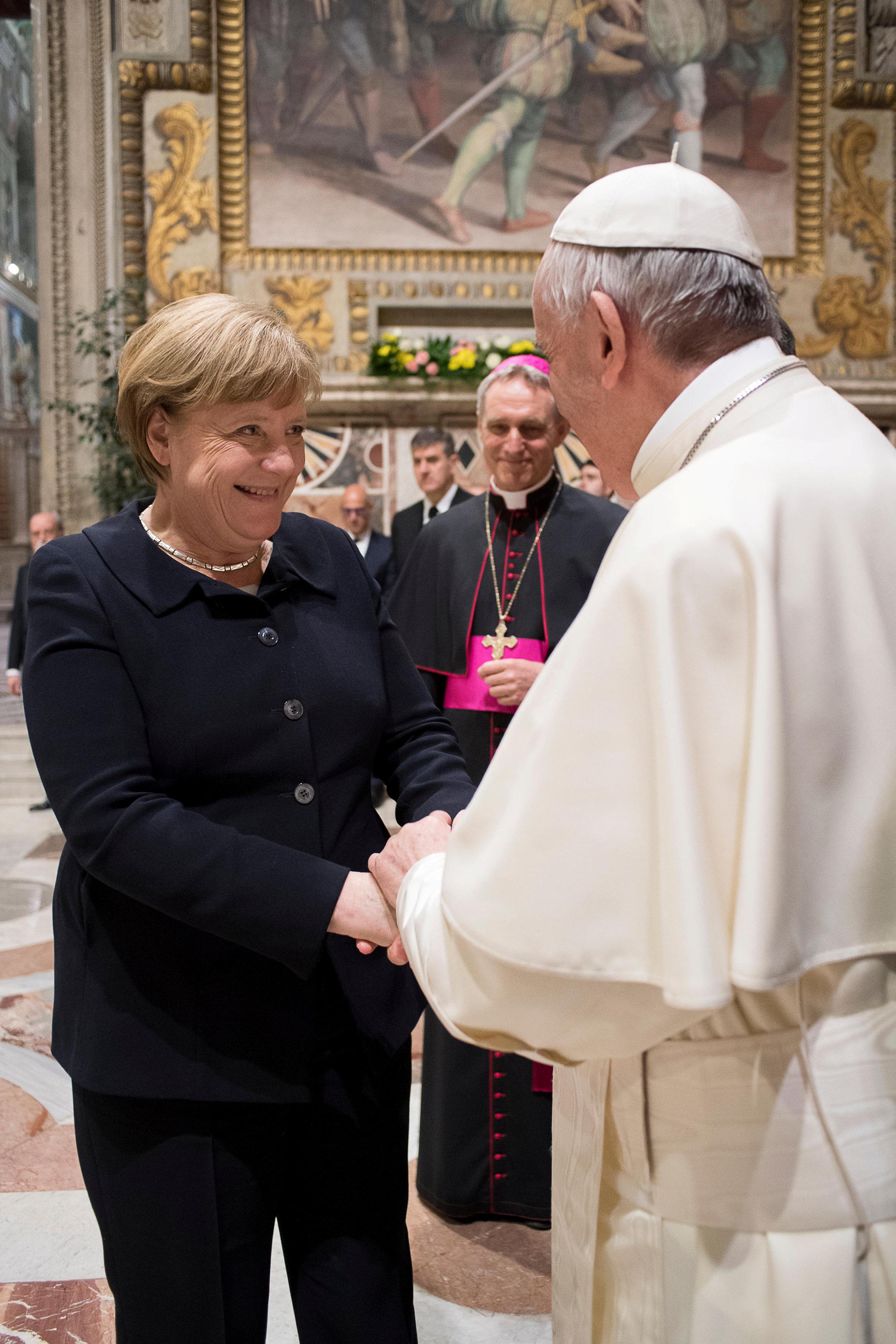 2017 03 24T191300Z 1868699736 RC131D984F30 RTRMADP 3 EU SUMMIT POPE