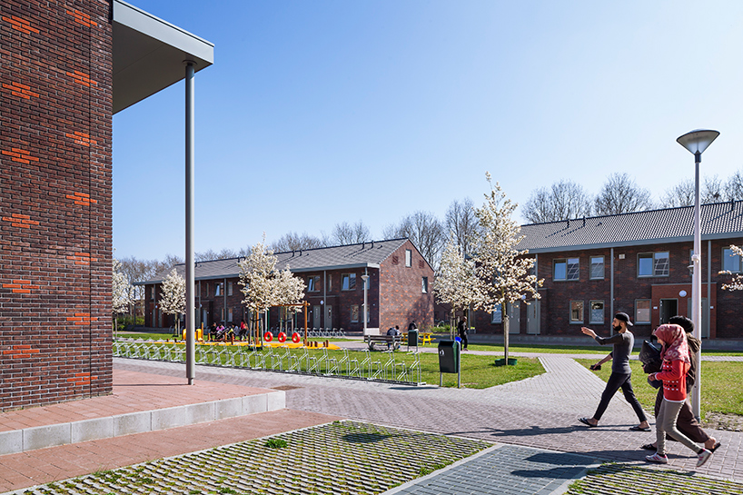COA reception centre for asylum seekers ter apel netherlands felixx de zwarte hon designboom 03