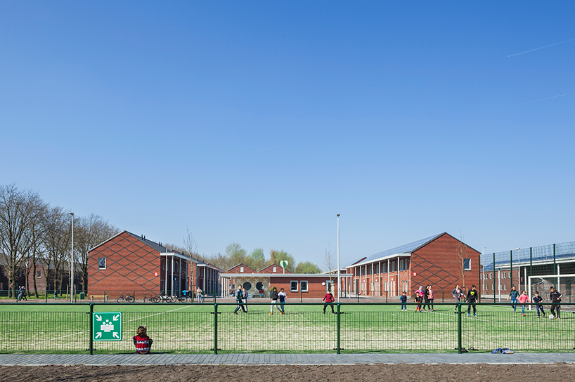 COA reception centre for asylum seekers ter apel netherlands felixx de zwarte hon designboom 06