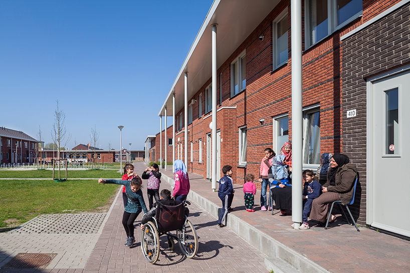 COA reception centre for asylum seekers ter apel netherlands felixx de zwarte hon designboom 08