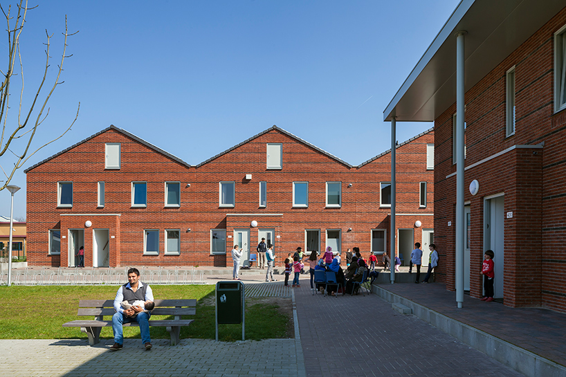 COA reception centre for asylum seekers ter apel netherlands felixx de zwarte hon designboom 09