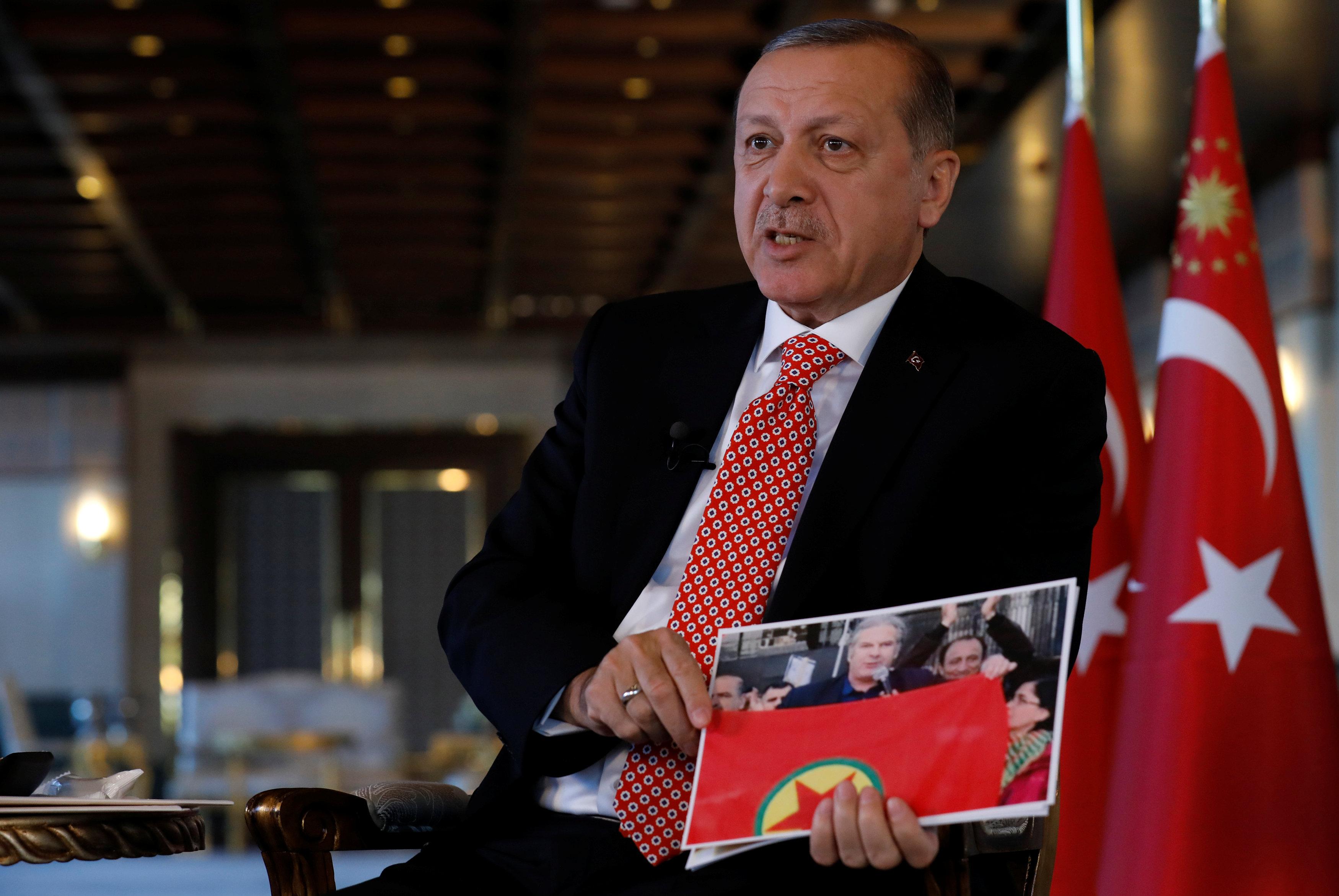 2017 04 25T183030Z 1338065433 RC1EB16387A0 RTRMADP 3 TURKEY POLITICS ERDOGAN