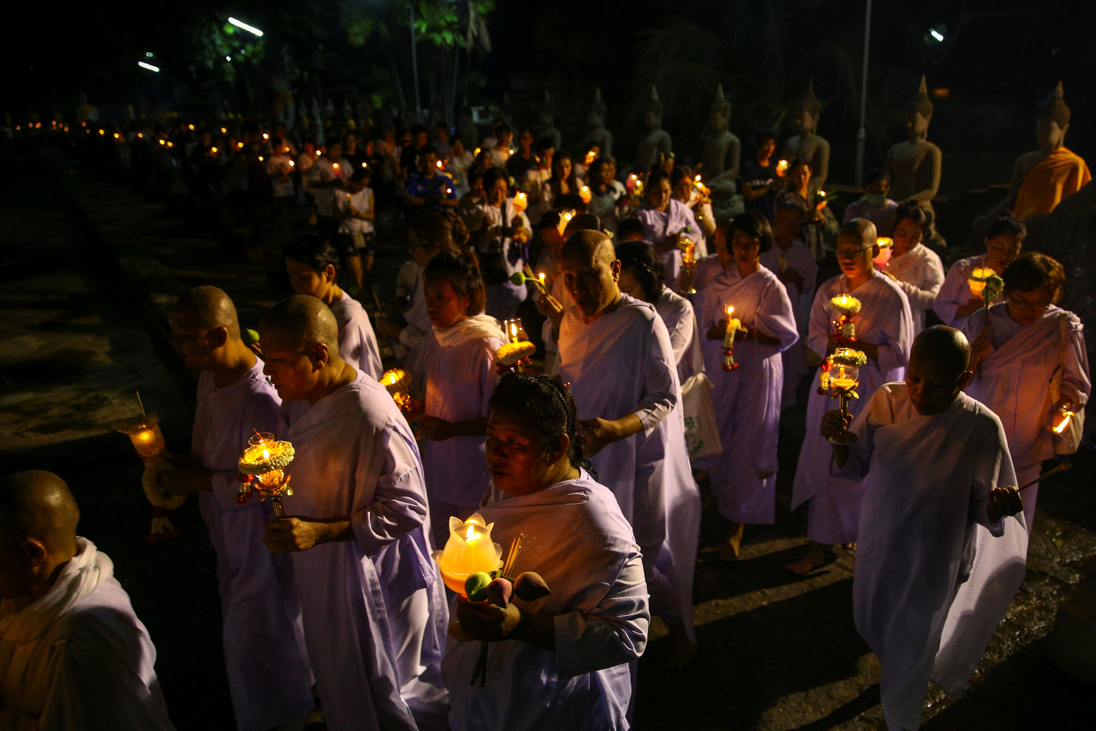 2017 05 10T141857Z 639999284 RC1D8B58EB50 RTRMADP 3 RELIGION VESAK THAILAND