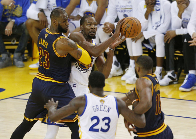 2017 06 02T033139Z 300629454 NOCID RTRMADP 3 NBA FINALS CLEVELAND CAVALIERS AT GOLDEN STATE WARRIORS