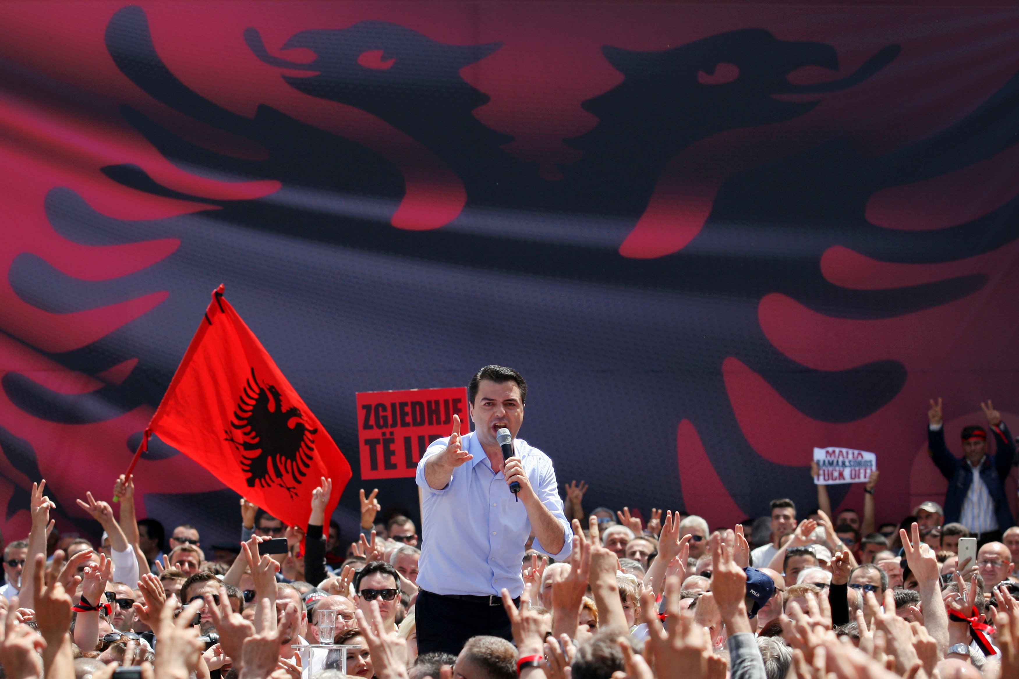 2017 05 13T150838Z 1775889483 RC14D06B3000 RTRMADP 3 ALBANIA PROTEST copy
