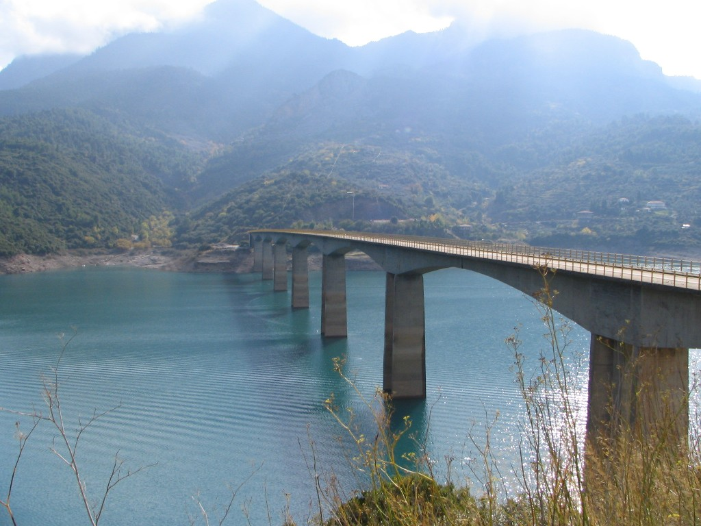 Kremasta Lake bridge