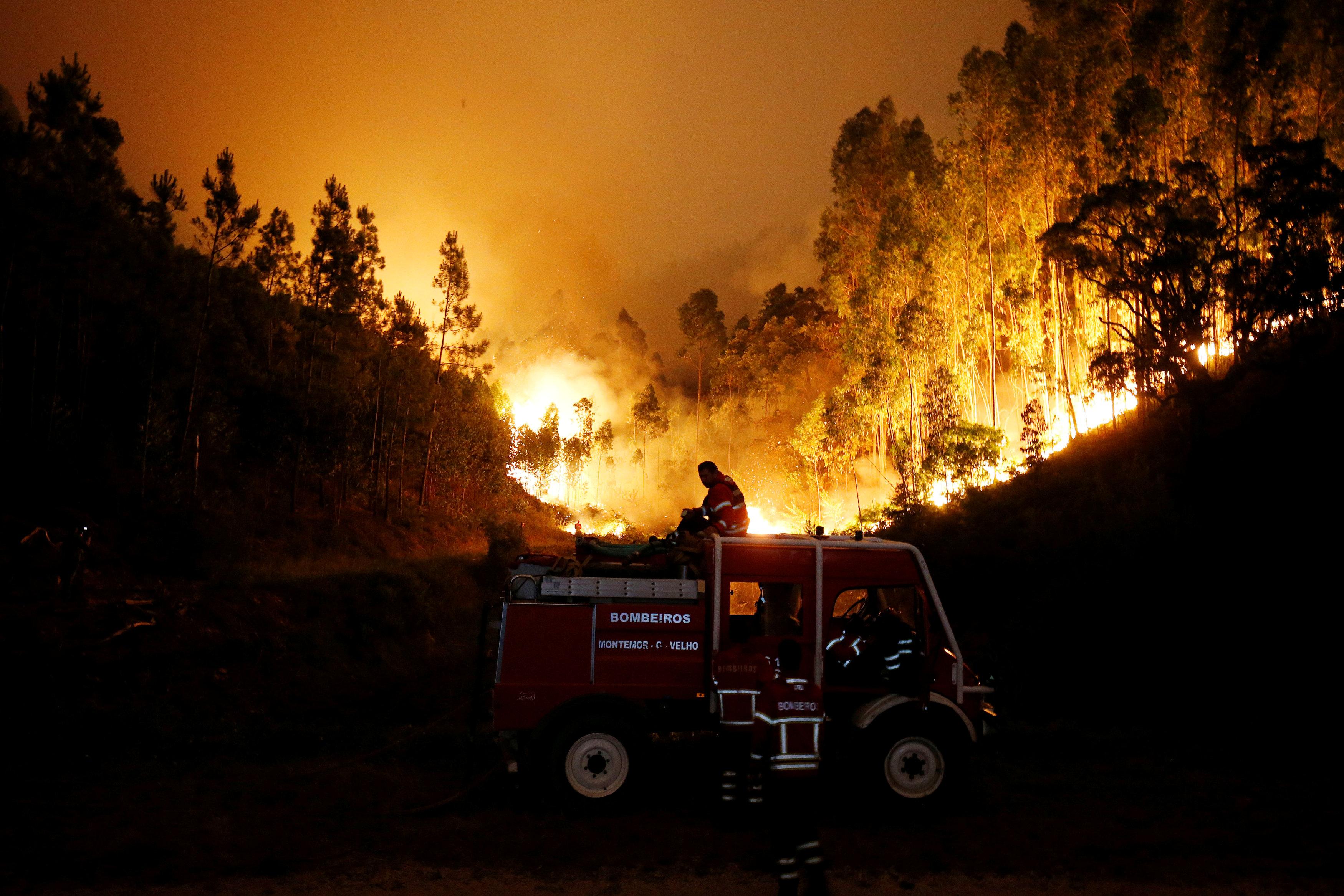2017-06-18T060426Z 1232545470 RC1198E01200 RTRMADP 3 PORTUGAL-FIRE
