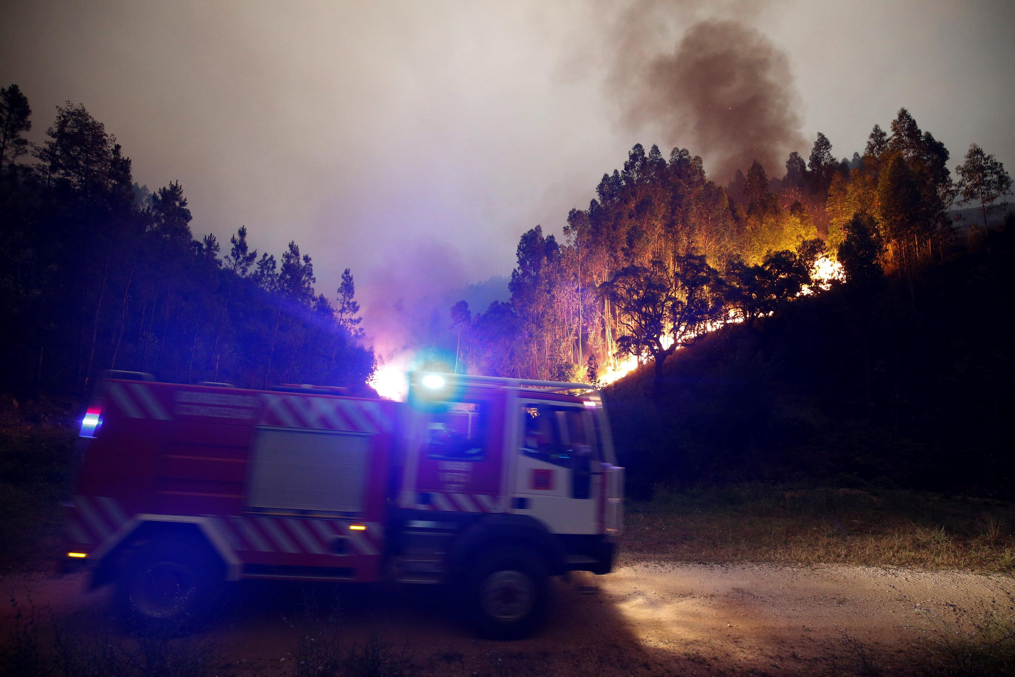 2017-06-18T062756Z 768060061 RC1F90390F80 RTRMADP 3 PORTUGAL-FIRE