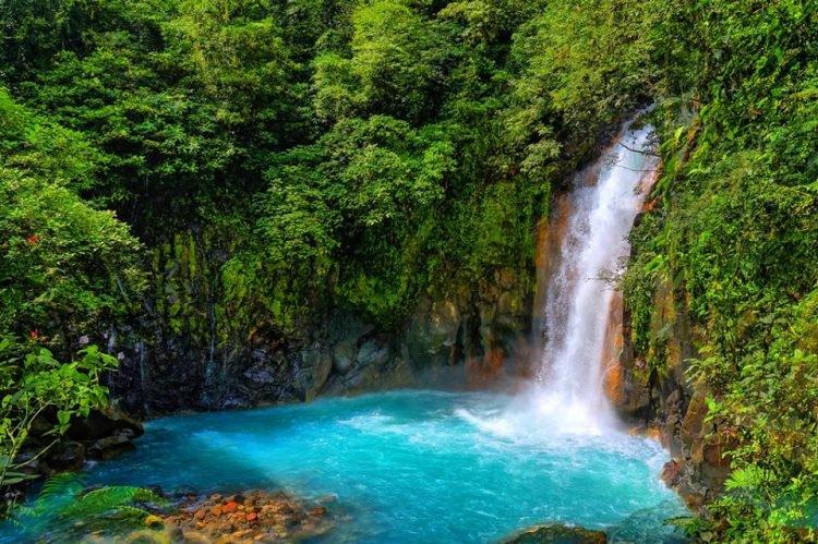 Rio Celeste turquoise7 750x499