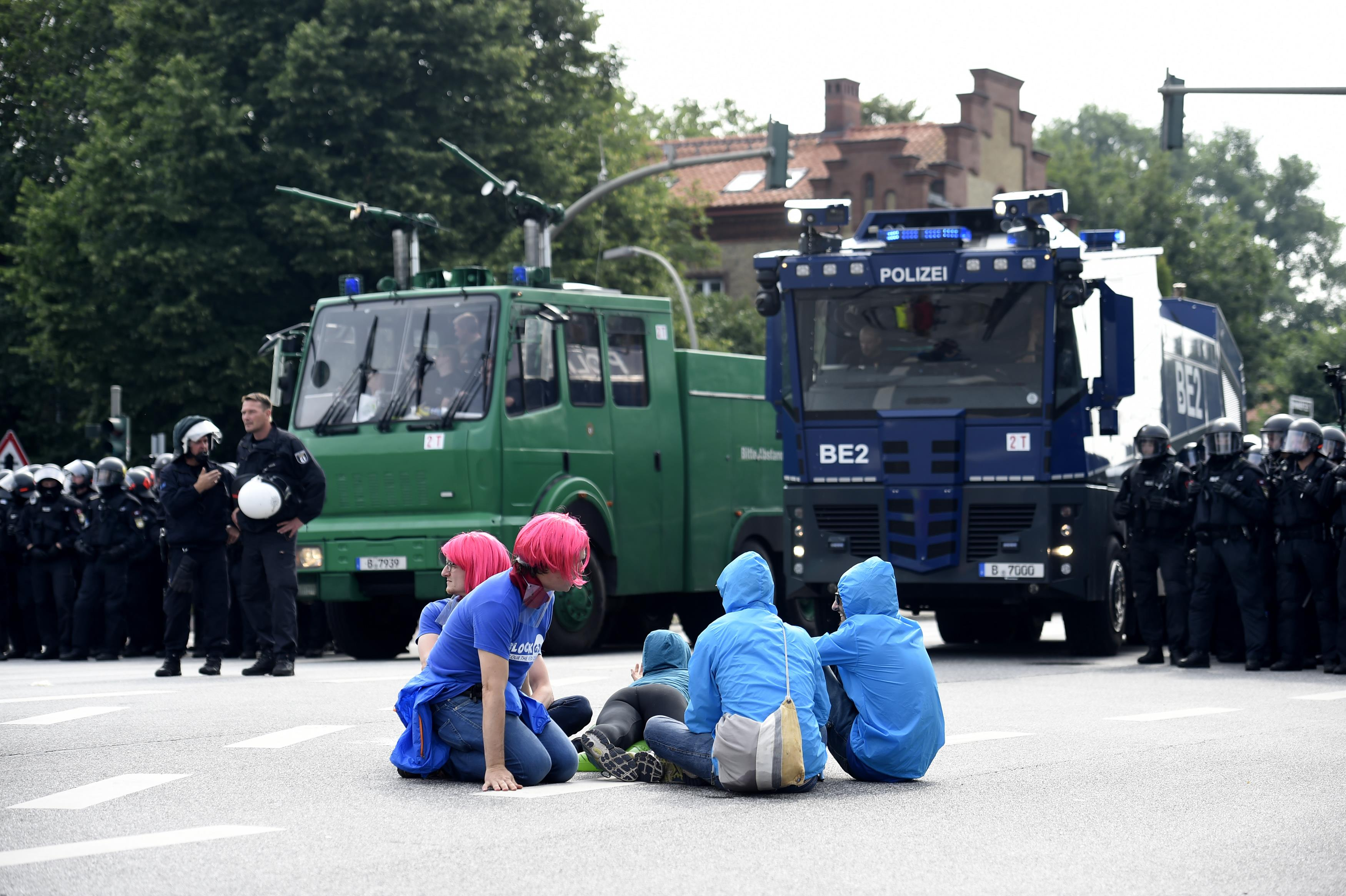 2017-07-07T095455Z 811748637 UP1ED770RJIKG RTRMADP 3 G20-GERMANY-BLOCKADES