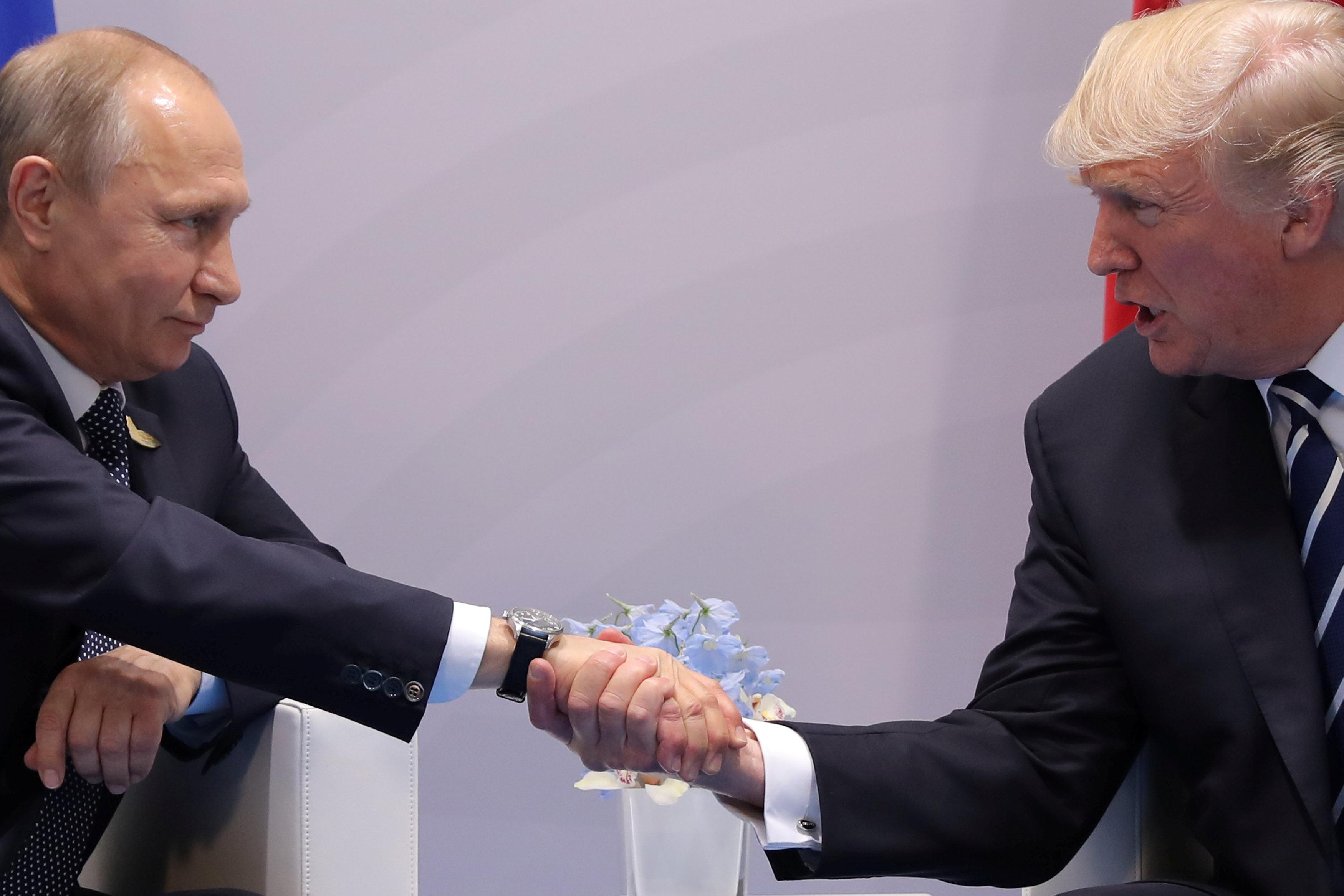 G20- Αμβούργο: Οι χειραψίες, η φιλαρμονική, οι συμφωνίες και οι διαδηλώσεις