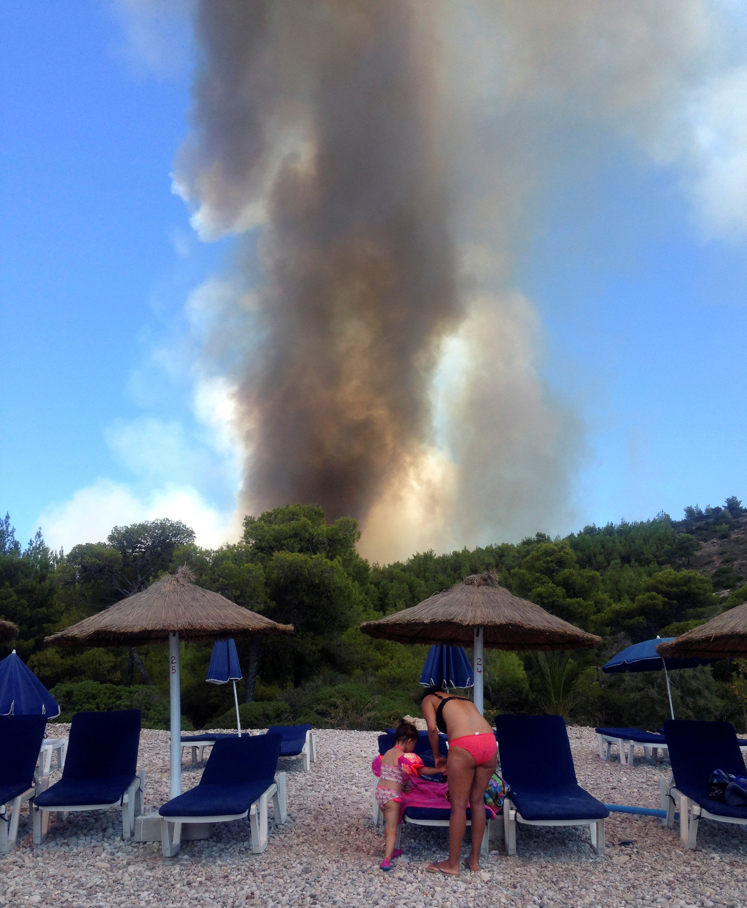 2017-08-01T115910Z 594998979 RC12655ACF70 RTRMADP 3 GREECE-WILDFIRE