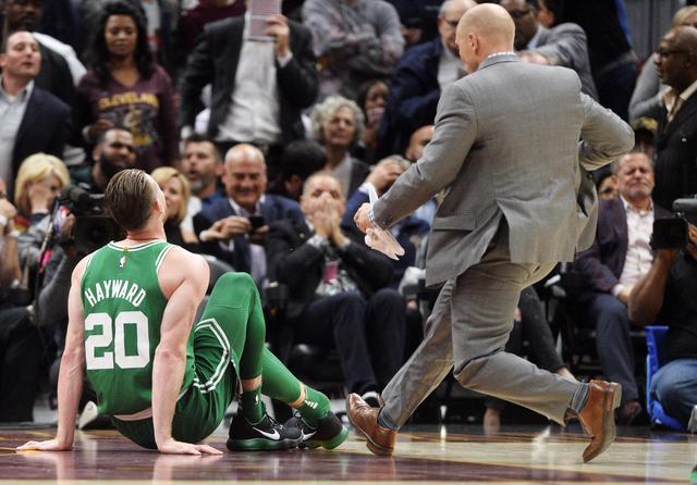 2017 10 18T011729Z 649165636 NOCID RTRMADP 3 NBA BOSTON CELTICS AT CLEVELAND CAVALIERS