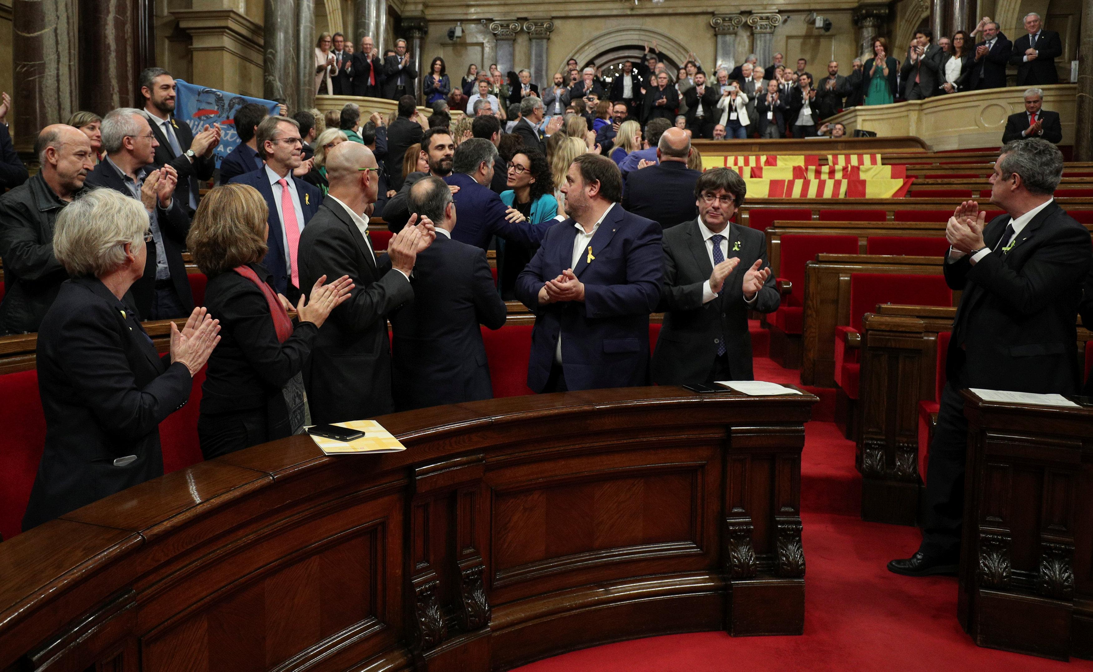 2017 10 27T133739Z 998284125 RC1D58E7D590 RTRMADP 3 SPAIN POLITICS CATALONIA