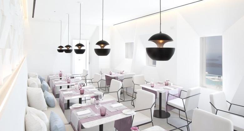 Santoro Restaurant in Santorini