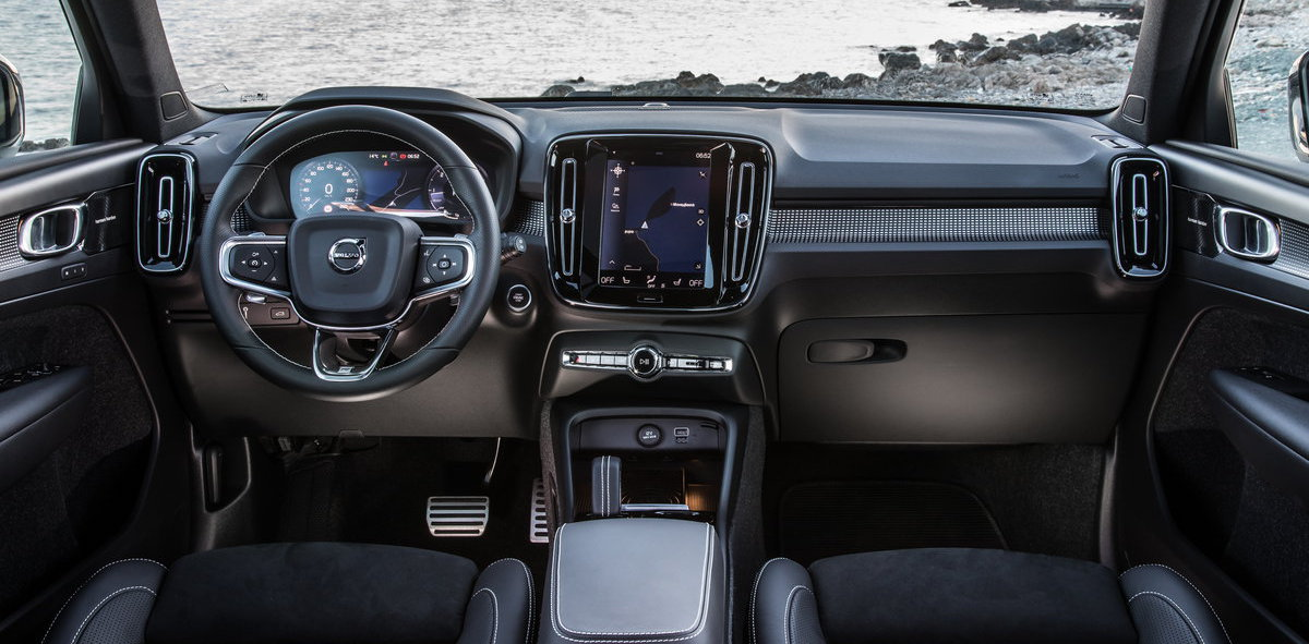 VOLVO XC40 18a