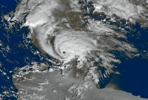 Mediterranean Hurricane TLC dic 2005.jpg nggid045143 ngg0dyn 600x450x100 00f0w010c010r110f110r010t010