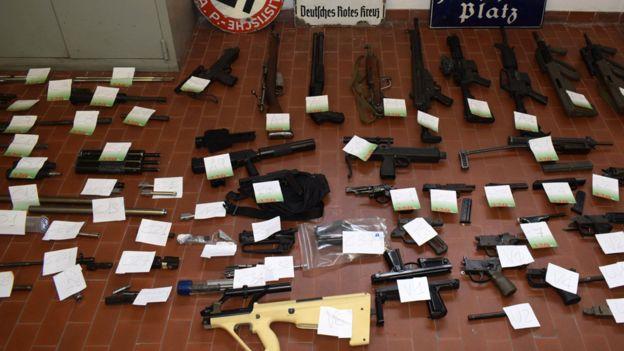 1563199905 Italy.police.guns