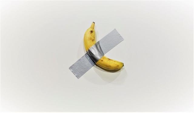 maurizio cattelan banana 1024x600