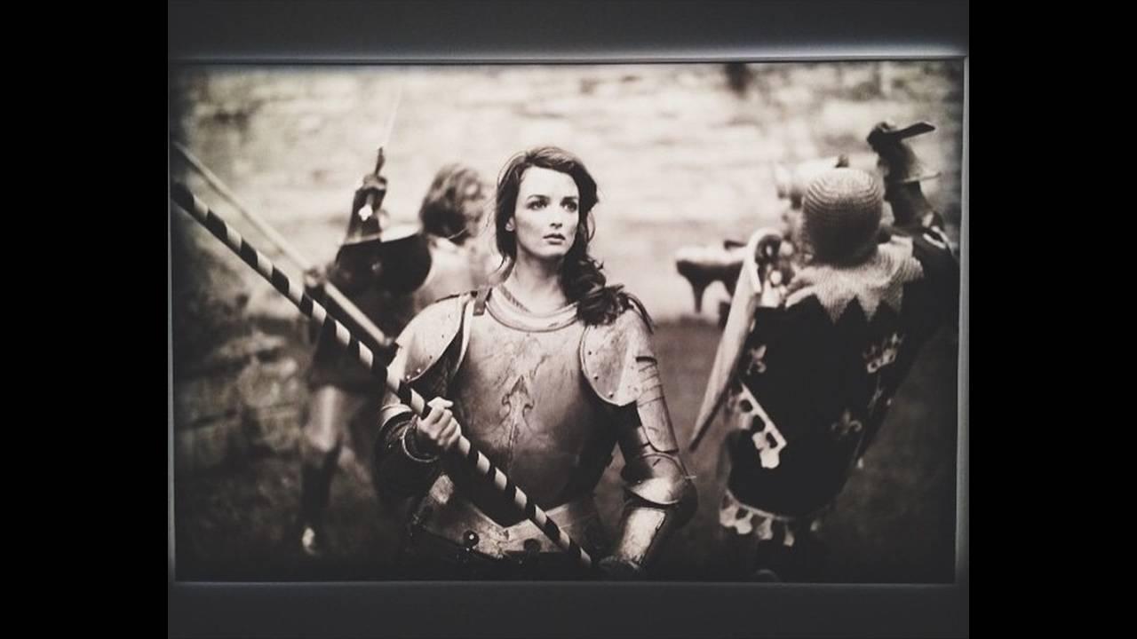 https://cdn.cnngreece.gr/media/news/2015/09/24/43/photos/snapshot/charlotte-le-bon.jpg