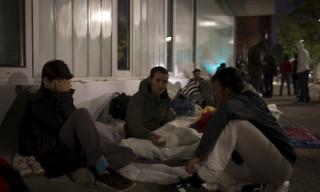 Άγριες συγκρούσεις μεταξύ προσφύγων σε κέντρα υποδοχής