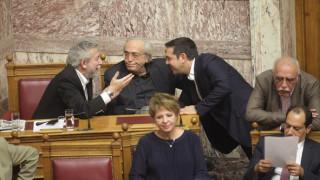 Ψηφίστηκε το Πολυνομοσχέδιο - παραφωνία ο Νικολόπουλος