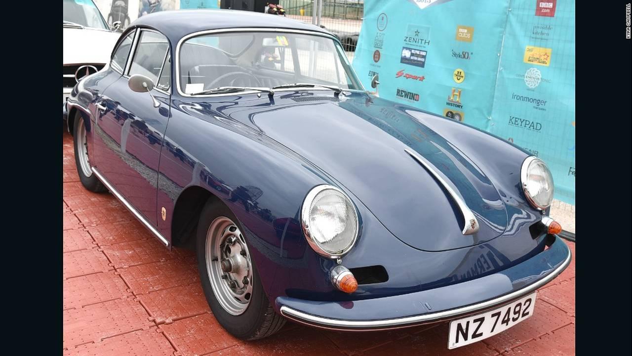 https://cdn.cnngreece.gr/media/news/2015/10/18/1071/photos/snapshot/hong-kong-classic-cars-Porsche356Carrera2.jpg