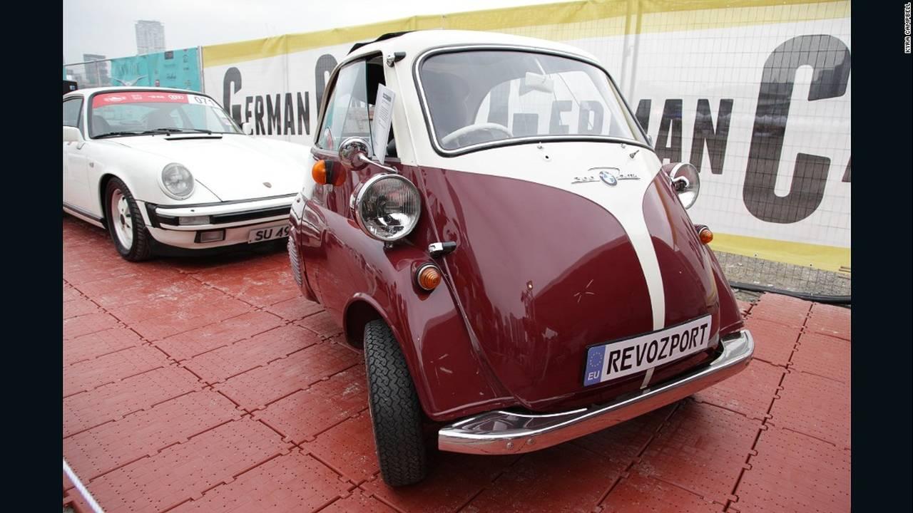 https://cdn.cnngreece.gr/media/news/2015/10/18/1071/photos/snapshot/hong-kong-classic-cars-bmw-iseta.jpg