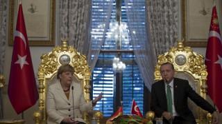 «Έτοιμη η Γερμανία να στηρίξει την Τουρκία στις ενταξιακές διαδικασίες» δηλώνει η Μέρκελ