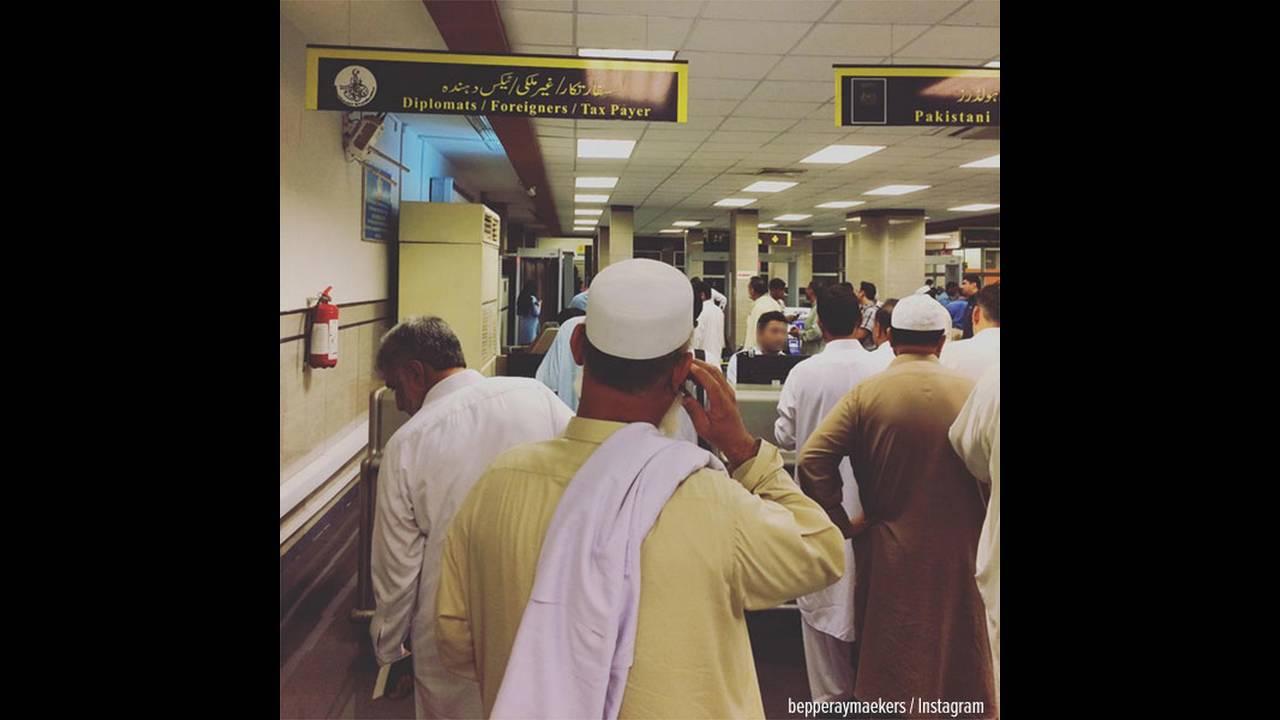 https://cdn.cnngreece.gr/media/news/2015/10/20/1214/photos/snapshot/islamabad-airport-pc.jpg