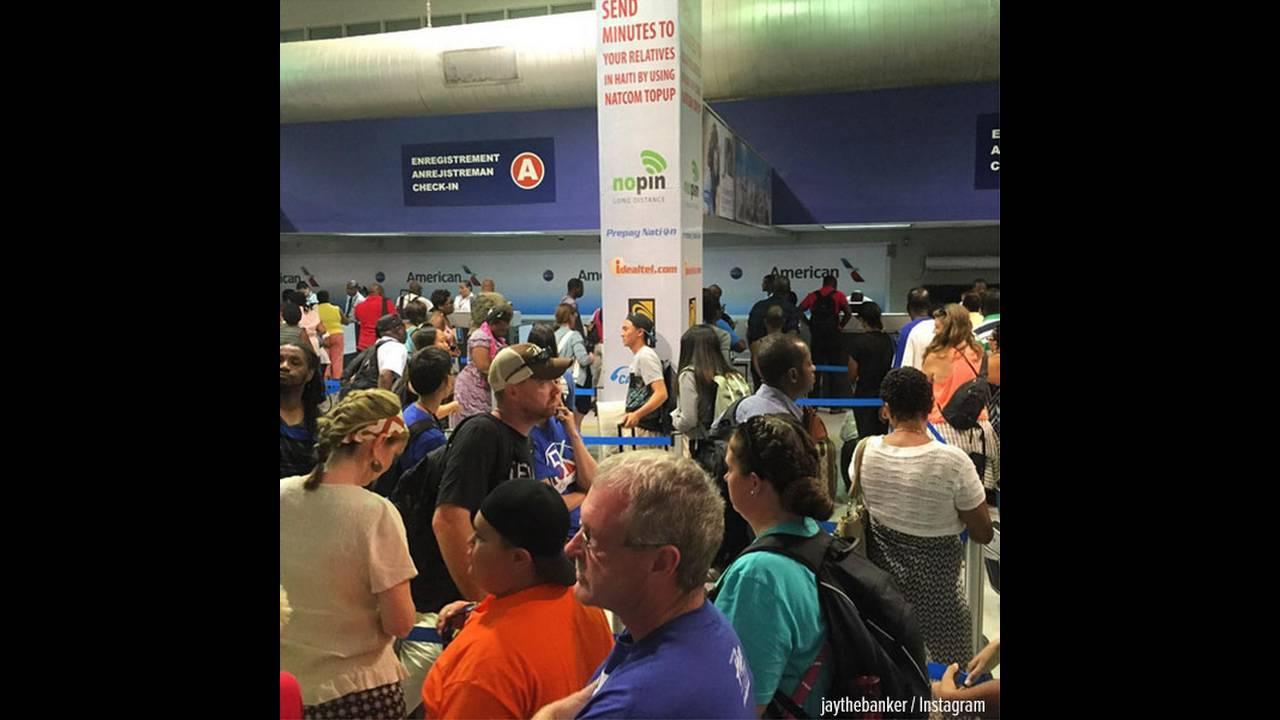 https://cdn.cnngreece.gr/media/news/2015/10/20/1214/photos/snapshot/port-au-prince-airport-pc.jpg