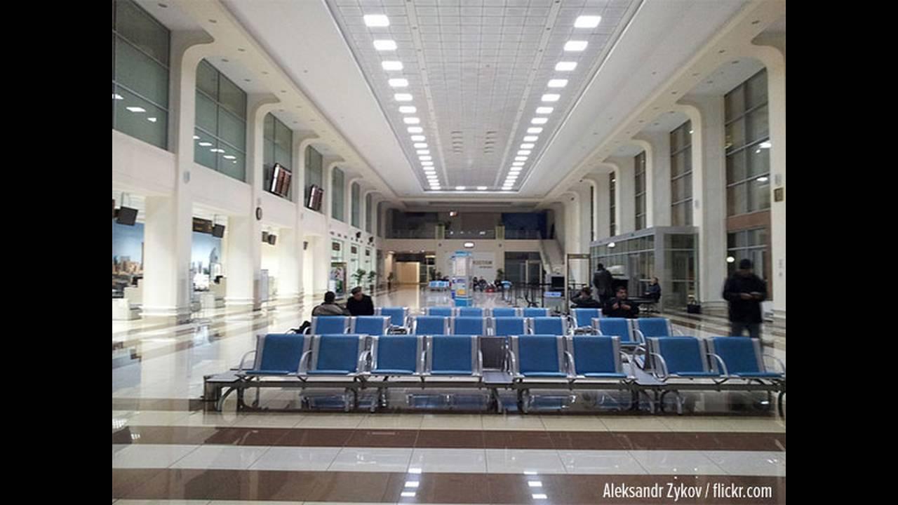 https://cdn.cnngreece.gr/media/news/2015/10/20/1214/photos/snapshot/tashkent-airport-pc.jpg