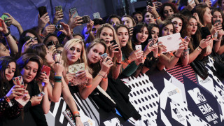 Ποιος θα θυμάται τα European Music Awards 2015 του MTV αύριο;