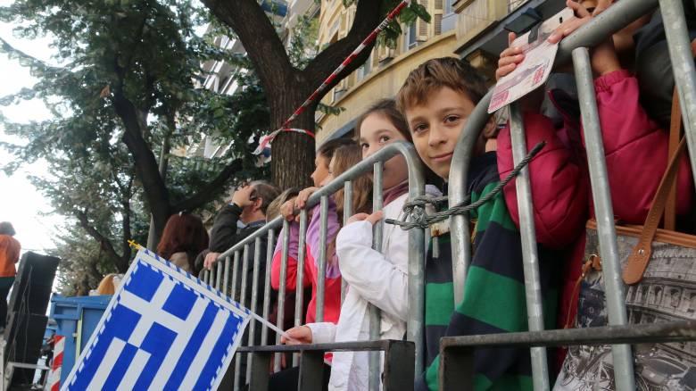 Δυσαρέσκεια Τόσκα για τα κάγκελα στη μαθητική παρέλαση της Θεσσαλονίκης