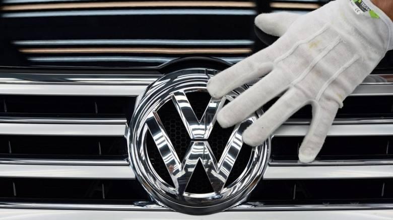 Πρώτες ζημιές για τη Volkswagen από το πειραγμένο λογισμικό των ρύπων