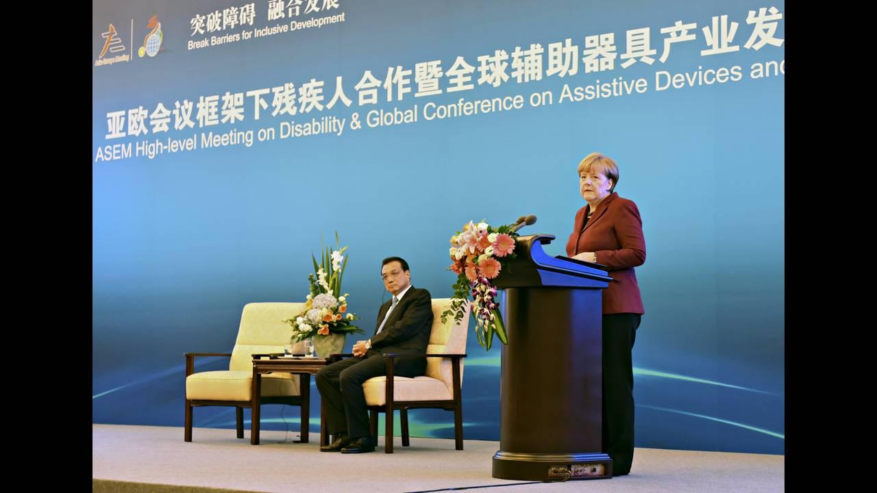 https://cdn.cnngreece.gr/media/news/2015/10/29/2283/photos/snapshot/Merkel-China-Asem-2015-10-29-Reuters.JPG