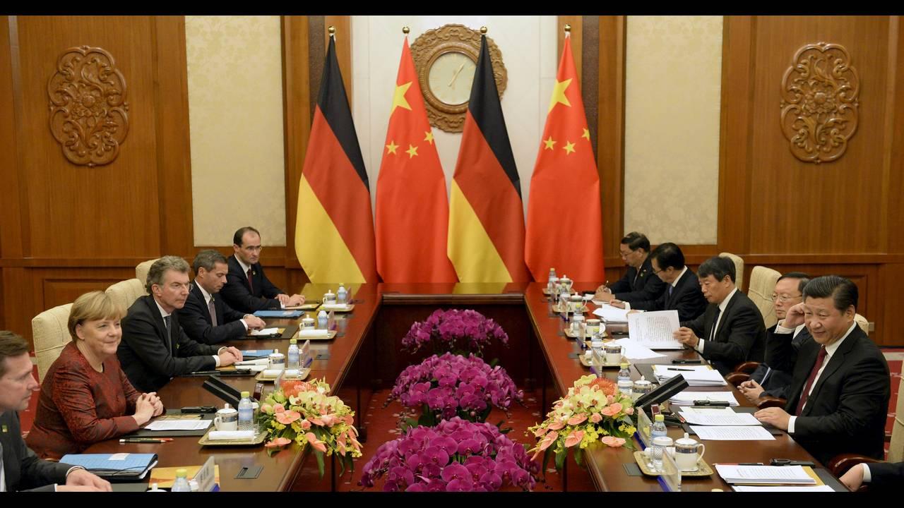 https://cdn.cnngreece.gr/media/news/2015/10/29/2283/photos/snapshot/Merkel-China-Diaoyutai-2015-10-29-Reuters.JPG