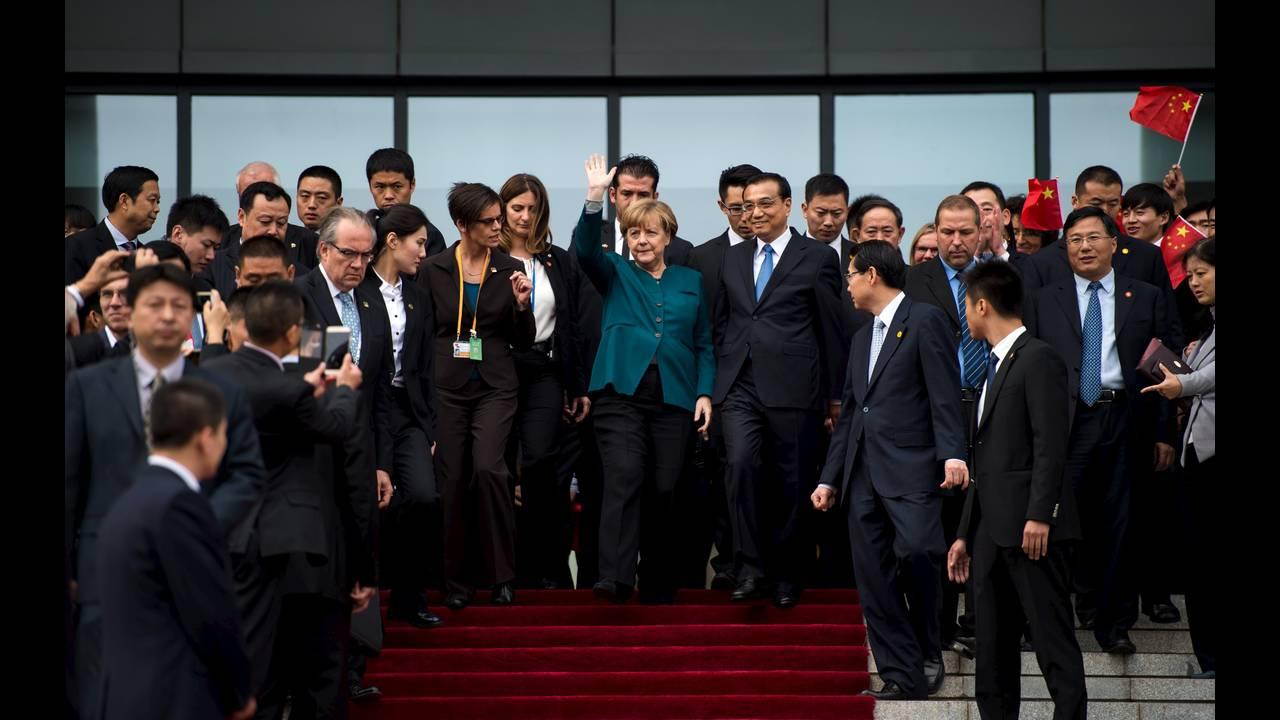 https://cdn.cnngreece.gr/media/news/2015/10/29/2283/photos/snapshot/Merkel-China-Hefei-A-2015-10-30-Reuters.JPG