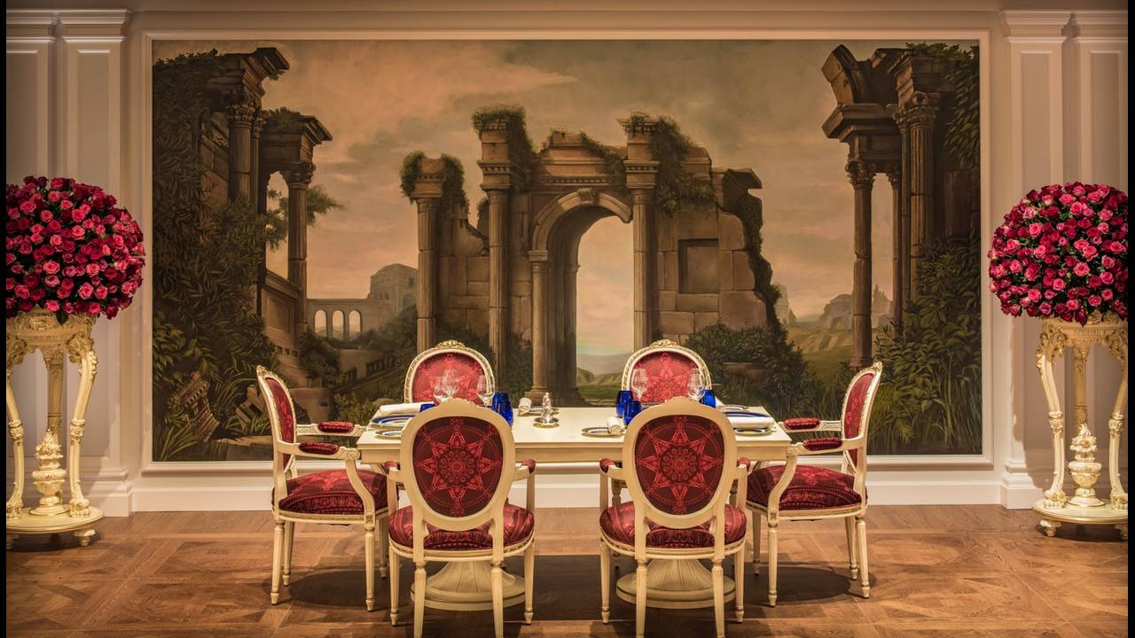https://cdn.cnngreece.gr/media/news/2015/11/13/6410/photos/snapshot/Palazzo-Versace-Hotel_Dubai_Vanitasrestaurant.jpg
