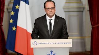 Οι τρομοκράτες είχαν συνεργούς μέσα στη Γαλλία, είπε ο Ολάντ