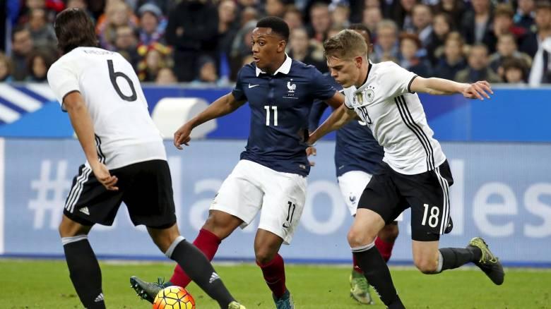 Σοκαρισμένοι οι ποδοσφαιριστές της Γαλλίας και της Γερμανίας
