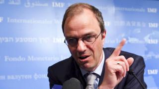 Θετικό σε νέες μειώσεις μισθών το ΔΝΤ, αλλά ζητά πρόσθετη στήριξη από την ΕΚΤ