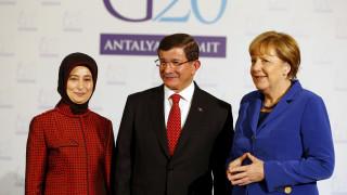 Βερολίνο: Δεν θα αργήσει η συνάντηση Τσίπρα-Μέρκελ-Νταβούτογλου