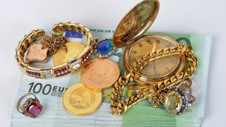 Μετρητά αλλά και κοσμήματα στο νέο ηλεκτρονικό πόθεν έσχες