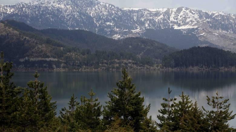 Χειμερινή απόδραση στη Λίμνη Πηγών του Αώου